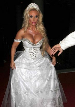 Ugly Wedding Dress.14 Ugliest And Craziest Wedding Dresses That Should Have Never Come