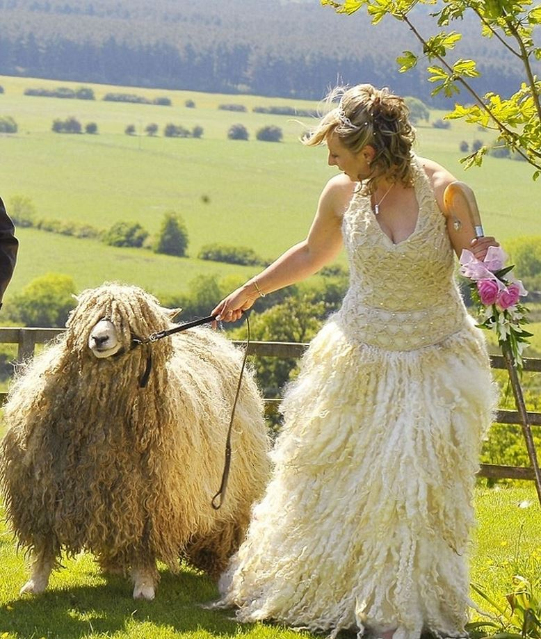 Hideous Bridal Gowns: 14 Ugliest And Craziest Wedding Dresses That Should Have