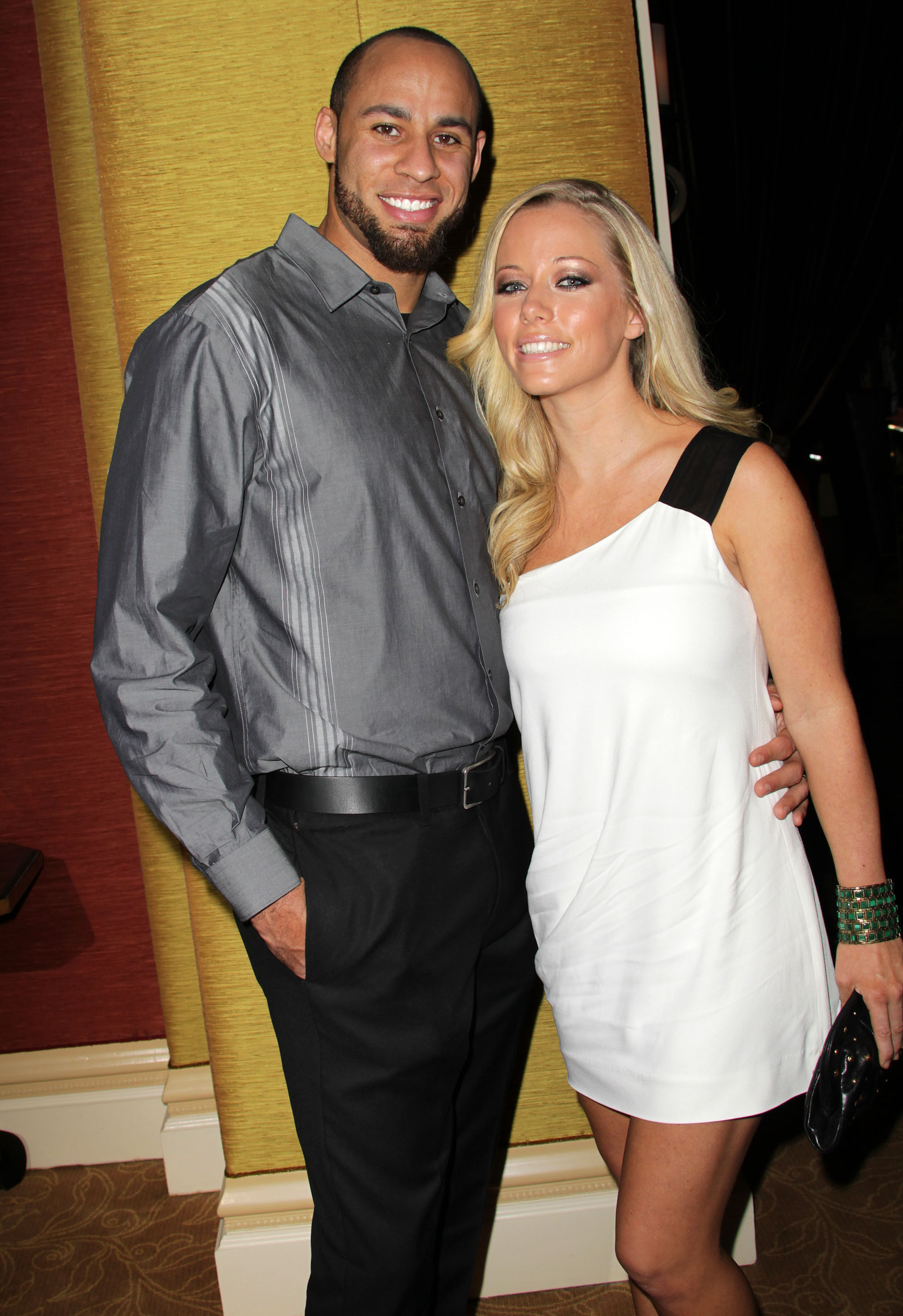 Married couple and kendra star